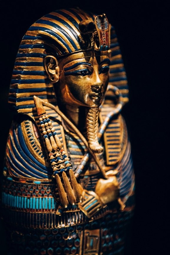 Gold Inlaid Canopic Coffinette of Tutankhamun Dedicated to Imseti and Isis_CREDIT IMG
